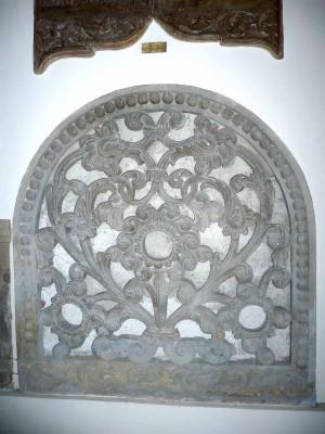 Fragment din portalul paraclisului, Mânăstirea Văcăreşti 1716