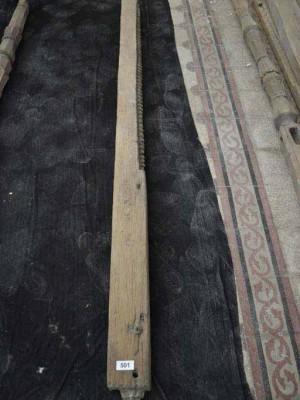 Stâlp gorjenesc izolat din lemn stejar sculptat cu torsadă (Vechiul muzeu de artă populară - Şos. Kiseleff)