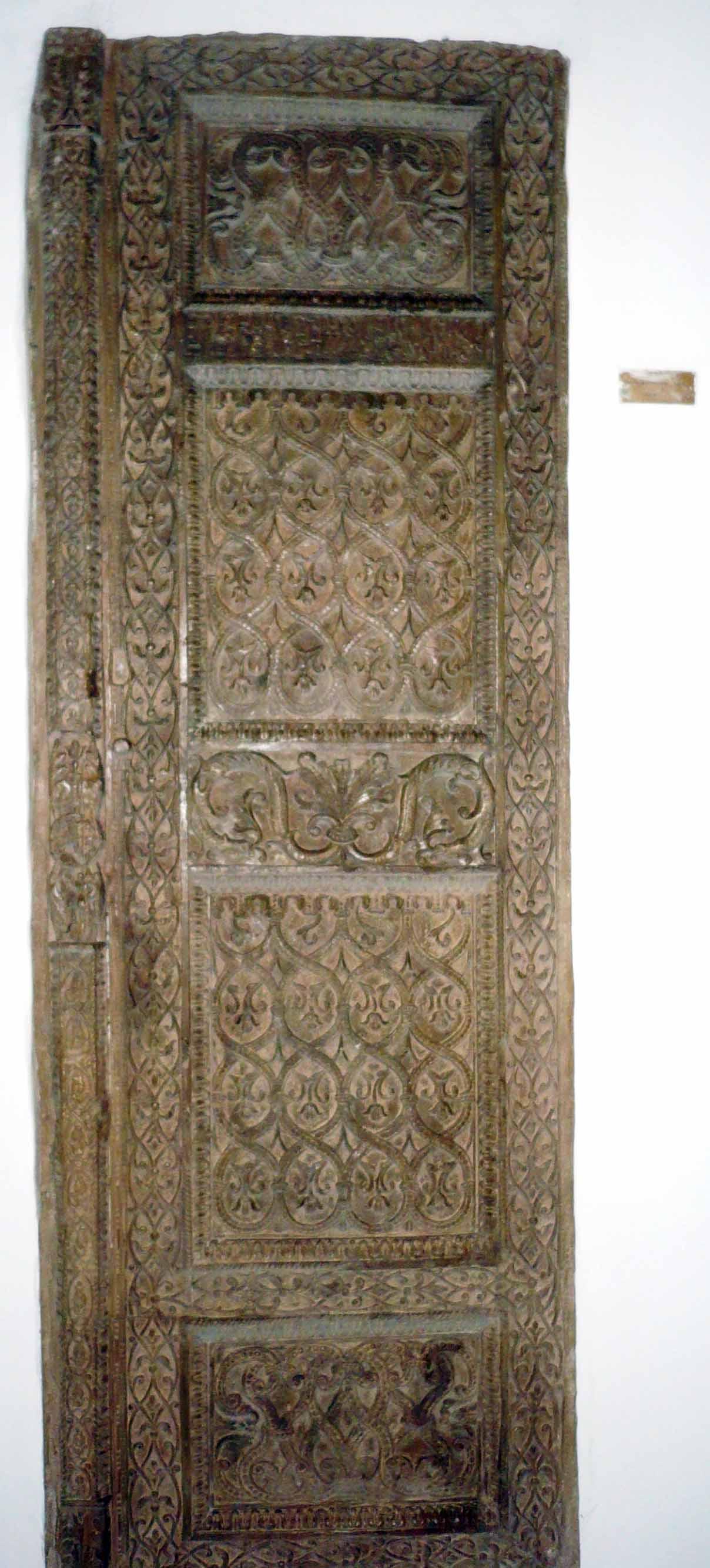 Foae de uşă din epoca lui Conastantin Brâncoveanu, construită în timpul funcţiei sale de logofăt.
