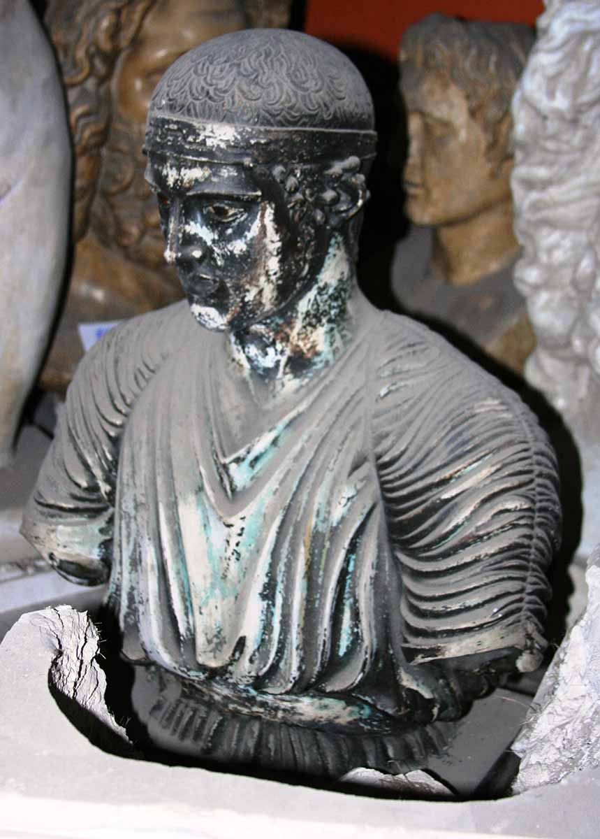 Auriga din Delphi, conducător de cvadrigă învingător la Întrecerile sportive – Pitagora din Region
